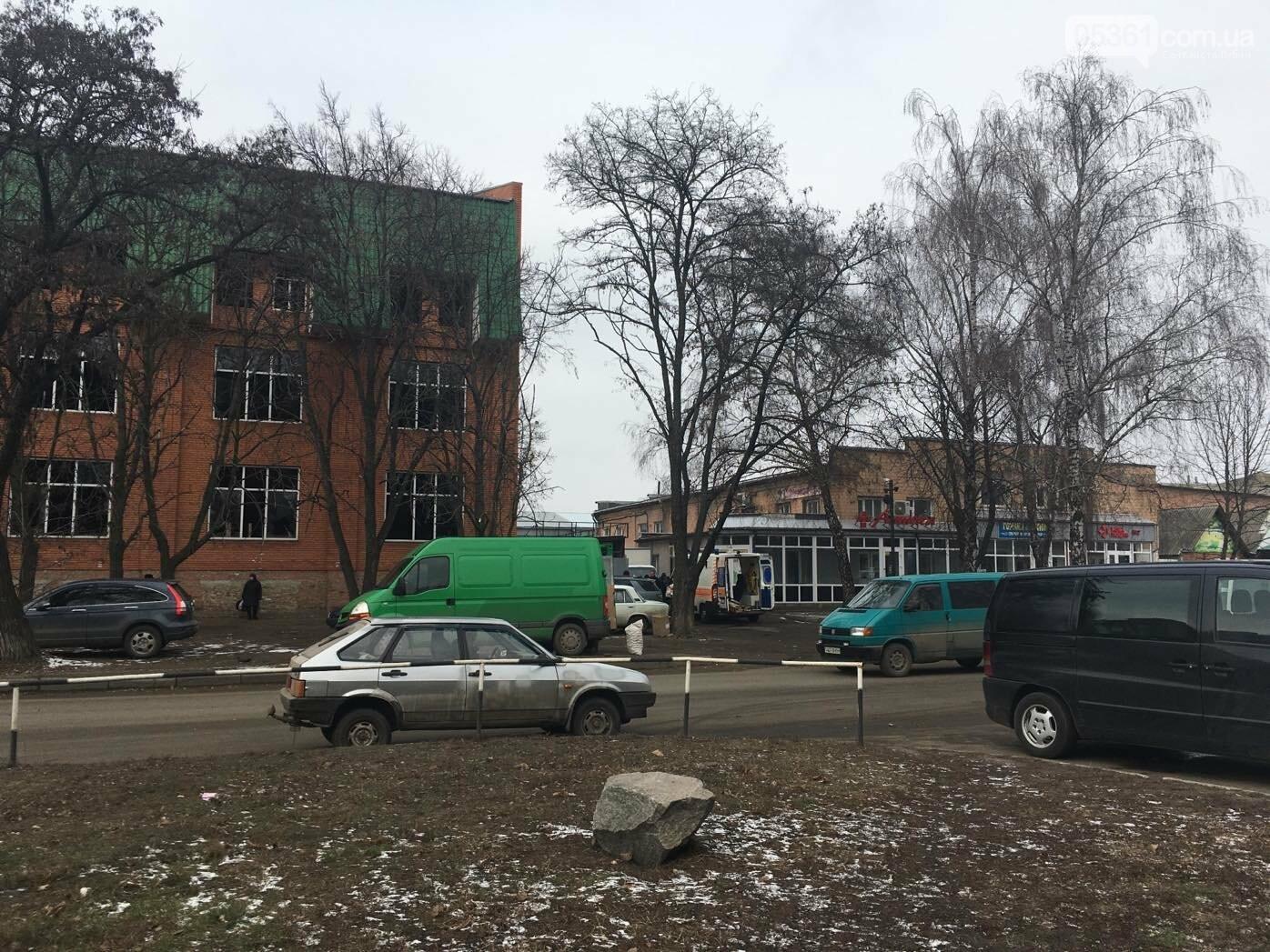 У Лубнах посеред вулиці лікарі рятували чоловіка, фото-1