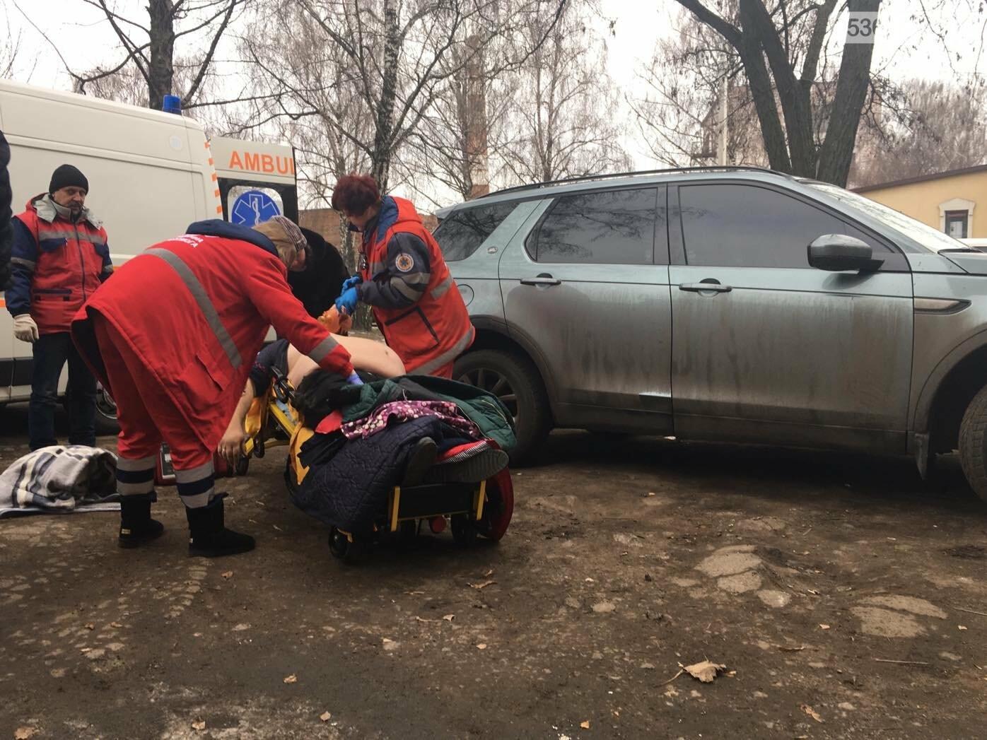 У Лубнах посеред вулиці лікарі рятували чоловіка, фото-2