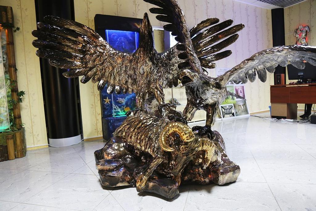 Креативні скульптури, Дизайн-студія Романа Москаленка